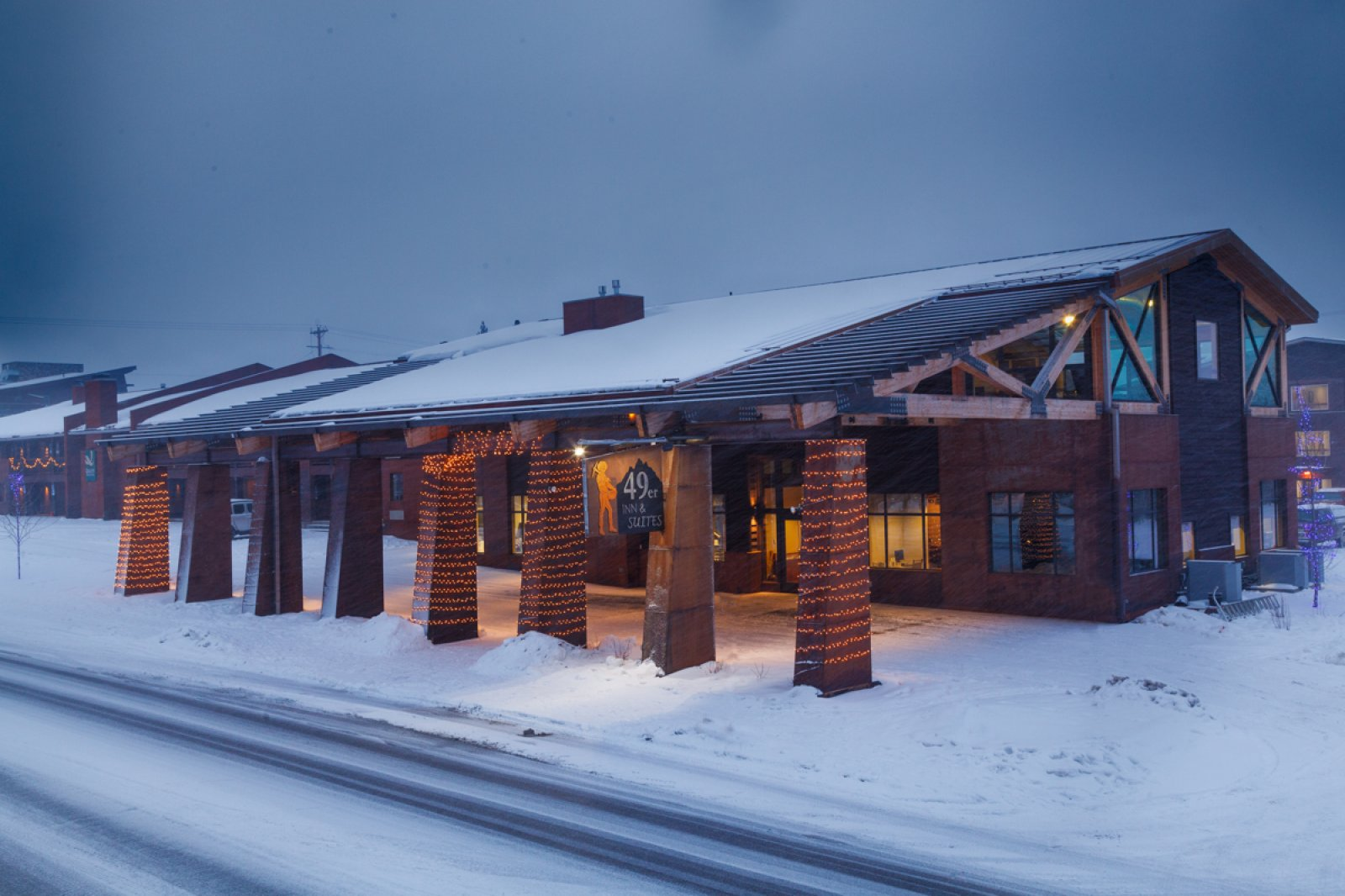 49er inn suites official website in jackson hole wy for Luxury hotel jackson hole